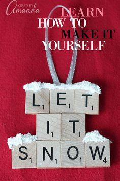 Scrabble Letter Crafts, Scrabble Ornaments, Letter Ornaments, Christmas Ornaments To Make, Scrabble Tiles, Christmas Gifts For Friends, Christmas Crafts For Kids, Christmas Projects, Christmas Fun