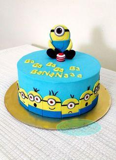 Minion themed cake