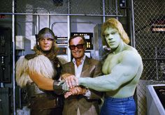 Eric Allan Kramer, Stan Lee and Lou Ferrigno on the set of the movie The Incredible Hulk Returns (The Return of the Incredible Hulk), the first film made about Hulk, which had as its protagonist the bodybuilder Lou Ferrigno and still had Eric acting as Thor .
