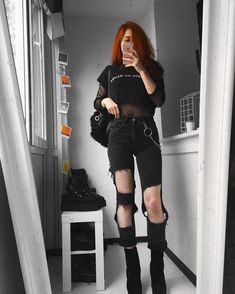 Unusual Article Uncovers The Deceptive Practices Of Grunge Outfits For School Punk Black 192 - nyamanhome Cute Grunge Outfits, Edgy Outfits, Cute Outfits, Fashion Outfits, Aesthetic Grunge Outfit, Aesthetic Fashion, Aesthetic Clothes, Punk Fashion, Grunge Fashion