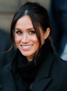 Prince Harry And Meghan Markle Visit Cardiff Castle Stock Pictures, Royalty-free Photos & Images Prince Harry Et Meghan, Meghan Markle Prince Harry, Princess Meghan, Prince Henry, Princess Margaret, Royal Princess, Meghan Markle Hair, Meghan Markle Style, Megan Markle Makeup