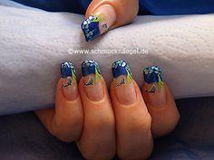 Nail art motivo 328 - Delfin tridimensional y astillas de concha en turquesa - http://www.schmucknaegel.de/