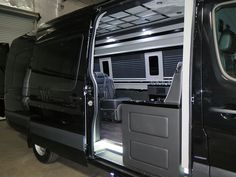 El Kapitan Limo Conversion Vans take executive and celebrity transport to a new high with spacious designs, luxurious materials and fine fit and finish inside and out.