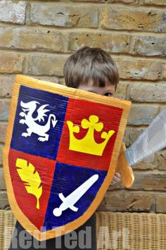 How to make a Knight& Shield using all those empty boxes leftover from the holidays from Red Ted Art. Crafts For Boys, Toddler Crafts, Preschool Crafts, Crafts To Make, Art For Kids, Sword Craft For Kids, Medieval Crafts, Medieval Party, Diy Knight Costume