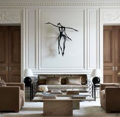 4 Rules for Creating the Perfect Living Room Jessica Elizabeth Living Room Decor Creating Elizabeth Jessica Living Perfect Room Rules Classic Interior, Modern Interior Design, Neoclassical Interior Design, Living Room Designs, Living Room Decor, Plafond Design, Appartement Design, Cheap Home Decor, Interior Inspiration