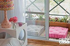 varanda sacada terraço pequeno mas de muito utilidade com futton