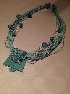 Polymer Clay Necklace, Polymer Clay Pendant, Polymer Clay Art, Polymer Clay Projects, Polymer Clay Creations, Diy Clay, Metal Clay Jewelry, Ceramic Jewelry, Tela Shabby Chic
