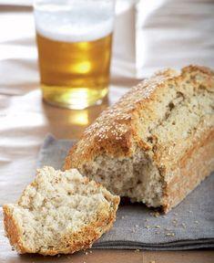 Δεν θα πιστεύετε ότι μπορείτε να φτιάξετε τόσο γρήγορα και τόσο εύκολα το δικό σας ψωμί, χωρίς μαγιά, χωρίς ζυμώματα, χωρίς να χρειαστεί να περιμένετε το ζυμάρι να φουσκώσει. Vegan Vegetarian, Vegetarian Recipes, Bread Recipes, Cooking Recipes, Pretzel Bun, Bread Art, No Cook Meals, Food Inspiration, Banana Bread