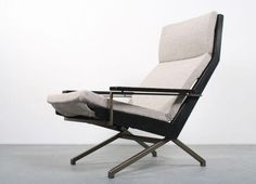 ///lotus.chair | rob.parry