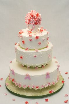 A wedding cake is an integral part of the wedding ceremony. The cake is generally served at the reception party of the bride and groom who cut the cake right Beautiful Wedding Cakes, Beautiful Cakes, Amazing Cakes, Cheap Wedding Cakes, Wedding Cake Designs, Bolo Tiramisu, Fashion Cakes, Cake Pictures, Floral Cake
