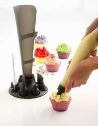 Mastrad 12-pc. Pastry Bag Set: Kitchen & Dining