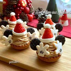 ミッキーサンタのモンブラン🎅🌰 Disney Desserts, Fancy Desserts, Christmas Snacks, Xmas Food, Comida Disney, Cookie Decorating Party, Disneyland Food, Ho Foods, Easter Recipes