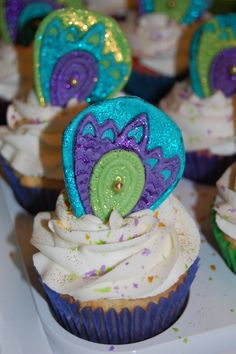 peacock cupcakes 3 Peacock Cupcakes, Peacock Cake, Peacock Theme, Peacock Wedding, 40th Birthday Parties, Girl Birthday, Cupcake Cookies, Cupcake Toppers, Craving Sweets