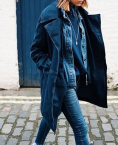 The Petticoat - Total Blue Denim in London LFW 15 thepetticoat 3 Estilo Denim, Double Denim, Denim Coat, Denim Outfit, Look At You, Fall Looks, Poses, Denim Fashion, Blue Fashion
