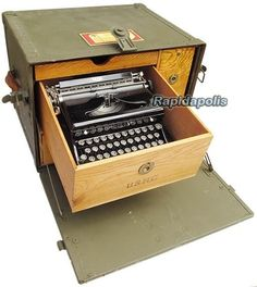 Rare US World War 2 Olive Drab MILITARY FIELD DESK Complete with Typewriter Dental Cabinet, Research Field, Campaign Furniture, World On Fire, Medical Dental, Army Surplus, Vintage Typewriters, World War, Kitchen Appliances