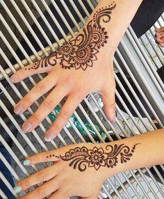 e0c8a3fea4f1e 17 Best Small Henna Tattoos images | Small henna tattoos, Henna ...