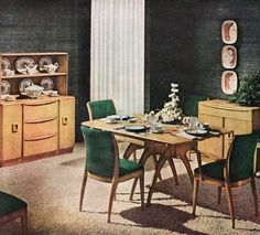 Dinning Room Haywood Wakefield - Love the table legs Dining Room Suites, Vintage House, Mid Century Dining Room, Heywood Wakefield Dining, Vintage Home Decor, Home Decor, 1950s Dining Room, Dining, Retro Home Decor