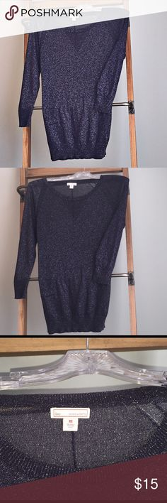 Final price. Gap lightweight sweater. Lightweight sweater. Navy blue with sparkle detail. Pull over sweater. GAP Sweaters