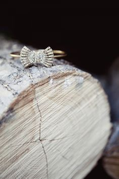 vintage bow engagement ring (photo by @Carina Romano of Love Me Do)