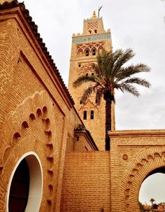Legendary monument of Morocco, the Koutoubia Mosque dates from the twelfth century and remains one of the jewels of architecture and art of the Almohads. The minaret is one of the largest of its time. Islamic Architecture, Art And Architecture, Places Around The World, Around The Worlds, Monuments, Visit Marrakech, Marrakech Morocco, Marrakesh, Place Of Worship
