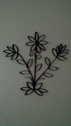 Buque de flor com rolo de papel
