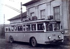 Old Pictures, Old Photos, Vintage Photos, Bus Coach, History Photos, Commercial Vehicle, Historical Photos, Hungary, Budapest
