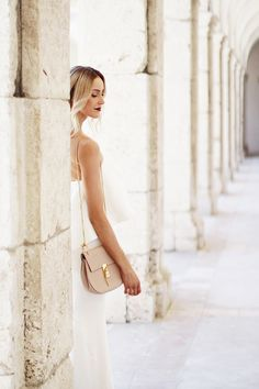 White maxi dress with burgundy lips & pink Drew bag by Chloé - Anna Pauliina, Arctic Vanilla blog.