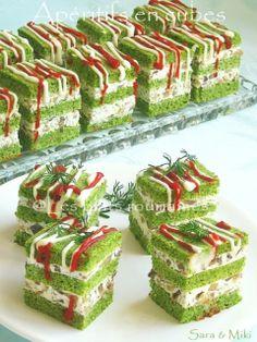 Les plats roumaines: Apéritifs en cubes avec les épinards, le fromage et champignons