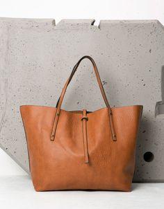 eb67e708cc7ac Maxi-Shopper-Tasche weich - Taschen - Bershka Germany Taschen