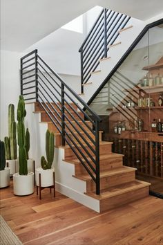 How Designer Melanie Burstin Fixed 5 Flipping Houses Mistakes in Her Latest Makeover - Home interior design idea – interior decoration – trendy and modern – staircase - Home Stairs Design, Railing Design, Modern House Design, Home Interior Design, Staircase Glass Design, Staircase Design Modern, Modern Railing, Modern Houses, Interior Modern