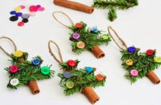 Nothing can beat homemade Christmas Ornaments & Christmas Crafts. Here are easy DIY Christmas Ornaments to make your Christmas Decorations feel personal. Stick Christmas Tree, Easy Christmas Ornaments, Noel Christmas, Handmade Ornaments, Simple Christmas, Christmas Decorations, Handmade Crafts, Holiday Tree, Button Ornaments