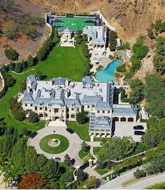 #CelebrityHomes #MarkWahlberg's incredible 30,000 square foot $25,000,000 mansion in Beverly Hills
