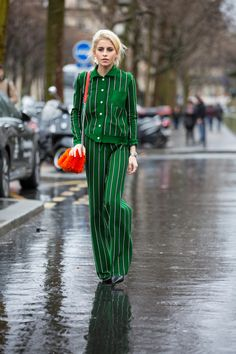 Black-and-White Outfits Were Everywhere On Day 2 of Paris Fashion Week - Fashionista