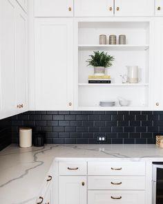 Home Design Black Subway Tiles 27 Ideas Rustic Country Kitchens, Country Kitchen Designs, Black Kitchens, Home Kitchens, Kitchen Furniture, Kitchen Decor, Black Subway Tiles, White Kitchen Backsplash, Kitchen Black Tiles