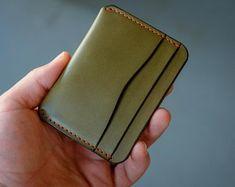 5 Pocket Leather Card Holder Wallet- Fits In Front Pocket - Full Grain Leather - Mens Wallet Made in USA Best Leather Wallet, Minimalist Leather Wallet, Leather Projects, Leather Crafts, Handmade Wallets, Pocket Cards, Caramel Color, Leather Design, Vegetable Tanned Leather