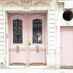 inspiration | house | front | door | doorstep | colors | color scheme | rosé | lavender | spring | bright | style | exterior |