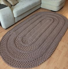 Diy Crafts - Best 12 This beautiful rug is made of mm polyester cord. Crochet Mat, Crochet Carpet, Crochet Home, Crochet Doilies, Diy Crafts Crochet, Crochet Ideas, Knit Rug, Tapis Design, Design Design