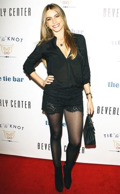 Sofia Vergara ditches the LBD and still looks party ready Pantyhose Outfits, In Pantyhose, Nylons, Sofia Vergara Hair, Looks Party, Female Stars, Lace Shorts, Short Shorts, Sexy Outfits