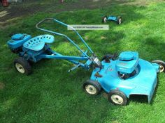 Gravely Mowers 443252788325009502 - … Mower Tractor Antique Vintage Source by marcosmonteschi Reel Lawn Mower, Lawn Mower Tractor, Yard Tractors, Small Tractors, Lawn Equipment, Old Farm Equipment, Logging Equipment, Garden Equipment, Boys Loafers