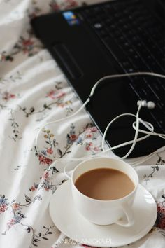 Coffee, good music and favourite blogs.