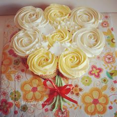 Happy Mother's Day!! #mommy #mothersday #mothers #cupcakes #cupcakebouquet #rosettes #yellow #atyummy #yellowandwhite #summer #lemonbuttercream #lemoncupcakes #desserts #baked
