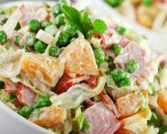 Salade de pomme de terre printanière légère et rassasiante : http://www.fourchette-et-bikini.fr/recettes/recettes-minceur/salade-de-pomme-de-terre-printaniere-legere-et-rassasiante.html