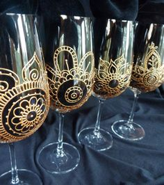 Wine Glass BRIDAL party gift. Wedding glassware CUSTOM order 2 or more. Discount on 6+ Hand painted in Mehndi designs .PERSONALIZED (option)...