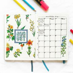 Image de August, words, and bullet journal