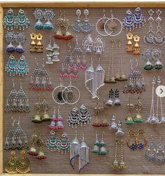 Antique Jewellery Designs, Fancy Jewellery, Gold Earrings Designs, Stylish Jewelry, Cute Jewelry, Antique Jewelry, Indian Jewelry Earrings, Indian Wedding Jewelry, Fashion Earrings
