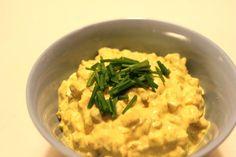 Curryröra med ägg och äpple