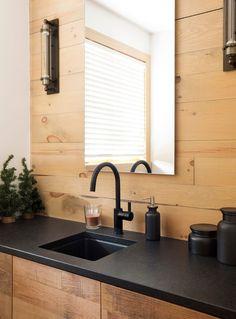 Matte black countertops w/ matte black faucet Black Kitchen Faucets, Kitchen Fixtures, Bathroom Fixtures, Bathroom Black, Bathroom Vanities, Bronze Bathroom, Downstairs Bathroom, Bathroom Furniture, Modern Bathroom