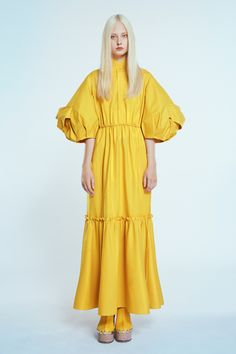 Dice Kayek Spring 2020 Ready-to-Wear Fashion Show Collection: See the complete Dice Kayek Spring 2020 Ready-to-Wear collection. Look 28 Fashion Show Collection, Couture Collection, Fashion 2020, Runway Fashion, Paris Mode, Mellow Yellow, Vogue Paris, Mannequins, Colorful Fashion