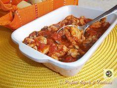 Il sugo di pesce con rana pescatrice che vi propongo oggi è sia facile da preparare che squisito nel dare sapore a formati di pasta che ci piacciono di più.
