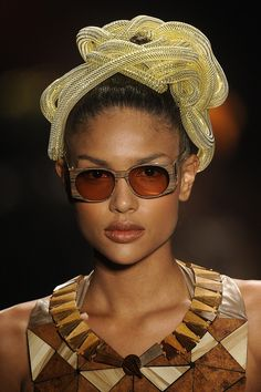 Ronaldo Fraga - Sao paulo fashion week, summer 2013 - wooden sunglasses and jewelry